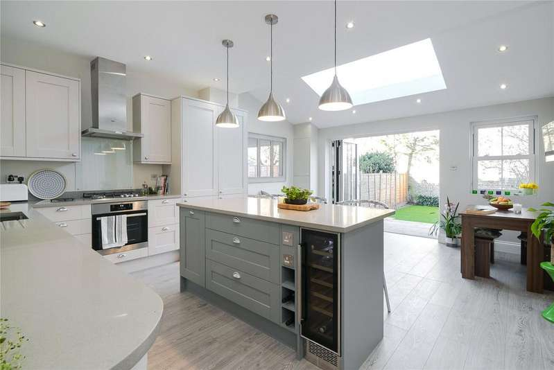 4 Bedrooms Terraced House for sale in Wilna Road, London, SW18