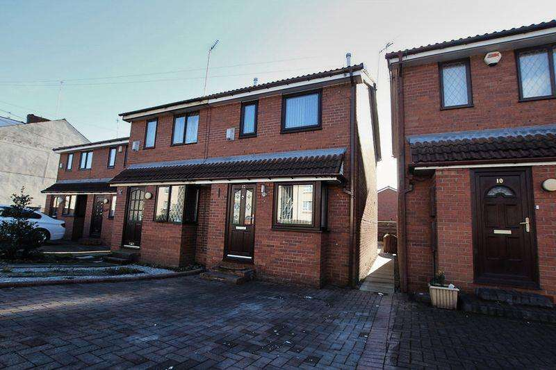 2 Bedrooms Semi Detached House for sale in Foxall Street, Middleton M24 4PZ
