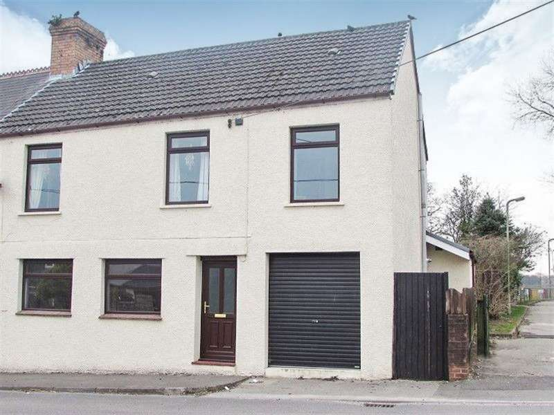 5 Bedrooms House for rent in High Street, Heol Y Cyw, Bridgend, CF35 6HR