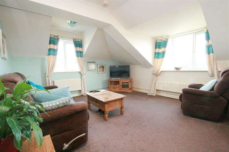 2 Bedrooms Flat for sale in Stockheath Road, Havant