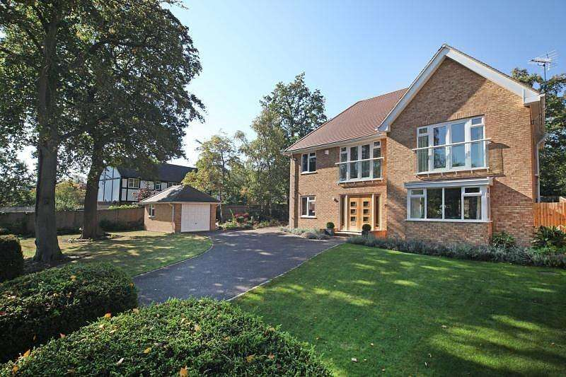 5 Bedrooms Detached House for rent in Daleside, Gerrards Cross, Bucks