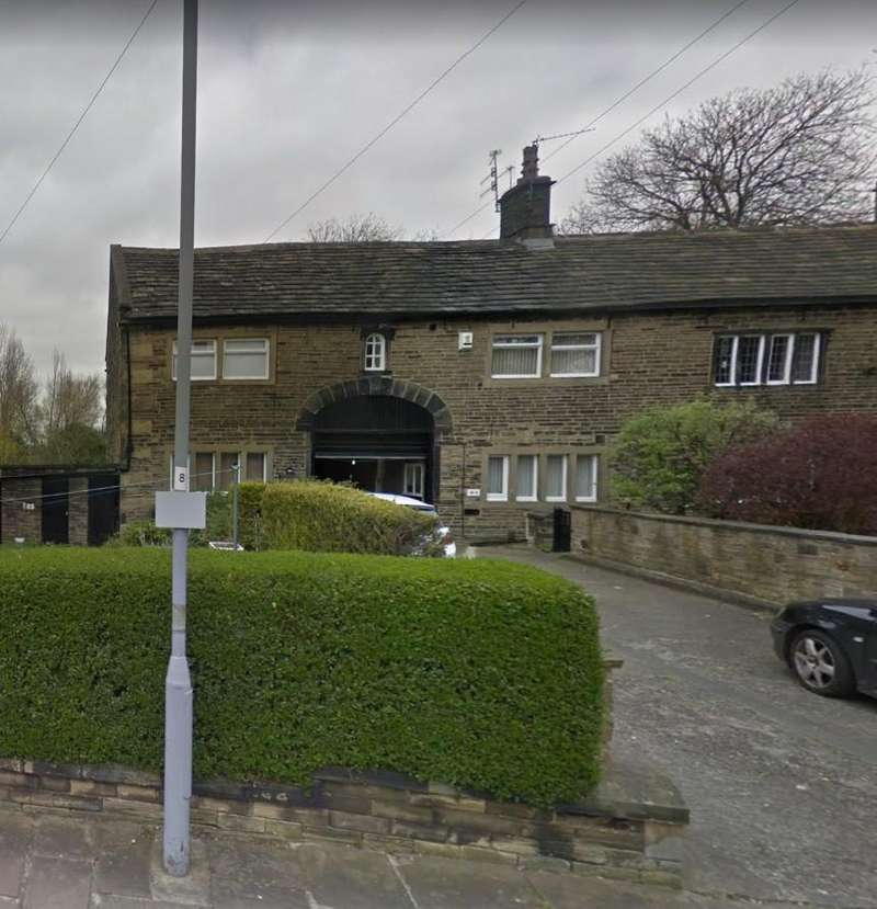 2 Bedrooms Flat for rent in Little Horton Green, Bradford, West Yorkshire