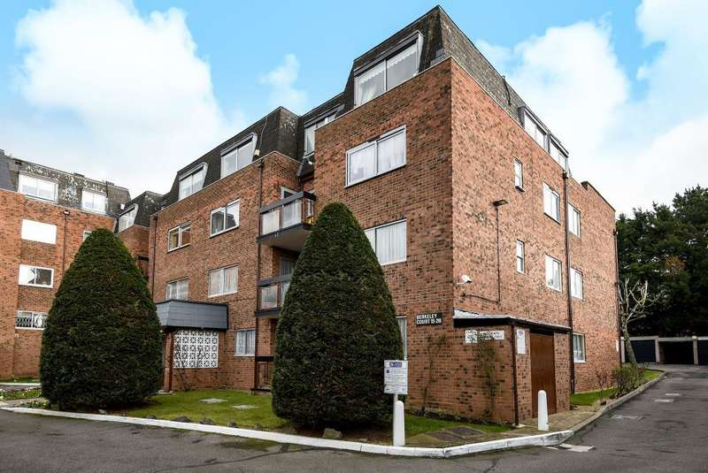 3 Bedrooms Flat for sale in Berkeley Court, Edgware, HA8