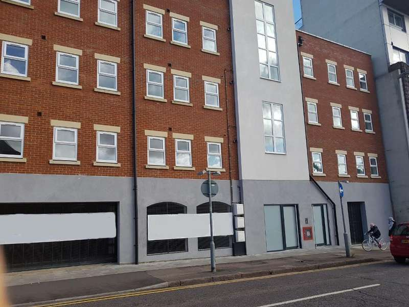 2 Bedrooms Flat for sale in Old Bedford Road, Luton, Luton, LU2 7NZ