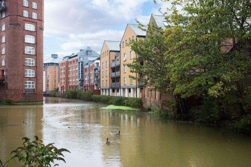2 Bedrooms Apartment Flat for sale in John Walker House, Dixons Yard, York, YO1
