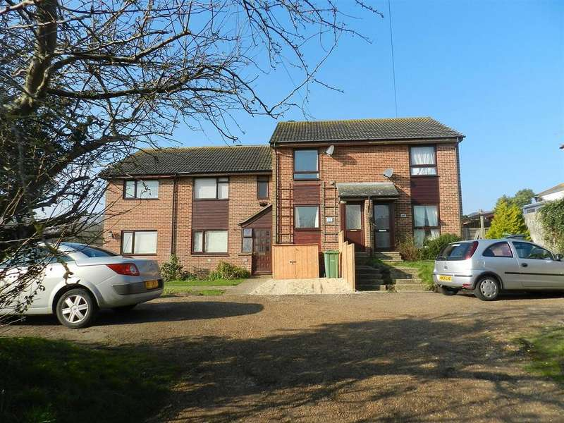 2 Bedrooms Terraced House for sale in Weeks Road, Ryde