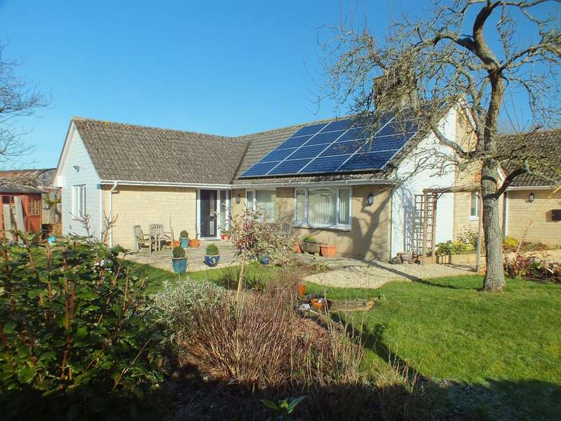 4 Bedrooms Detached Bungalow for sale in Preston, Cirencester
