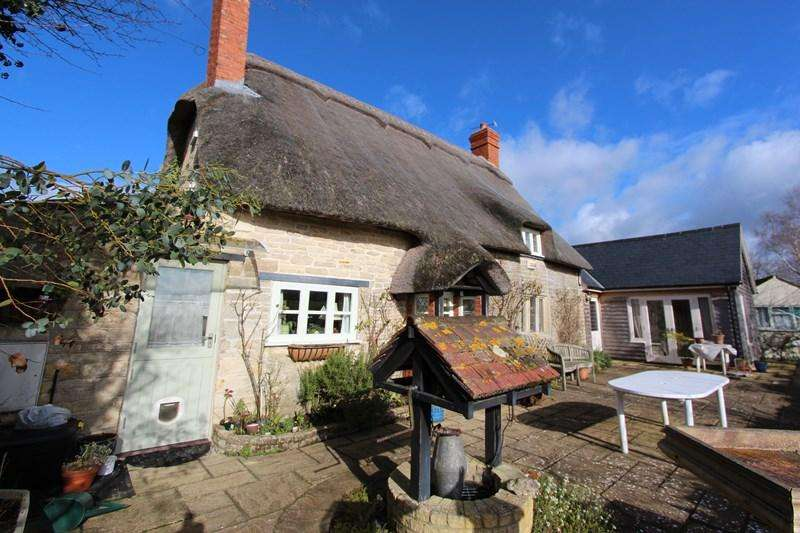 3 Bedrooms Cottage House for sale in Moorside, Marnhull, Dorset