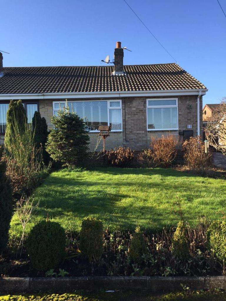 2 Bedrooms Bungalow for rent in St Johns Avenue, Barugh Green