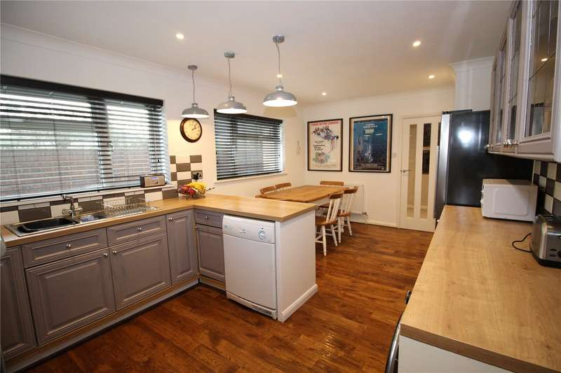 3 Bedrooms Detached Bungalow for sale in Bramber Road, Broadwater, Worthing, BN14