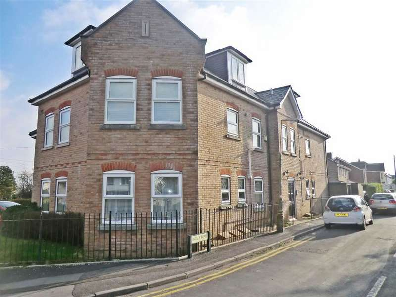 2 Bedrooms Flat for sale in 2-4 Nursery Road, Bournemouth, Dorset