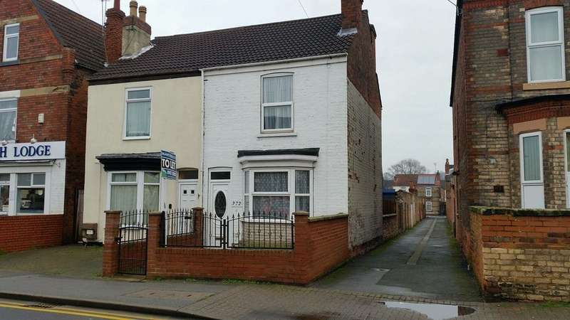 3 Bedrooms Semi Detached House for sale in Ropery Road, Gainsborough DN21