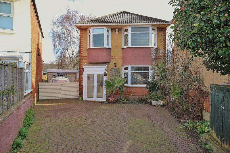 3 Bedrooms Detached House for sale in Hillbrow Road, Southbourne, Bournemouth