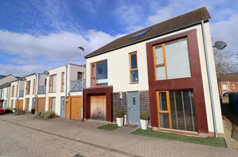 5 Bedrooms End Of Terrace House for sale in Caribee Quarter, Street