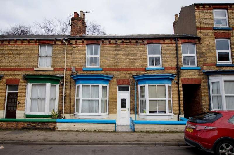 3 Bedrooms Terraced House for rent in Commercial Street, Scarborough