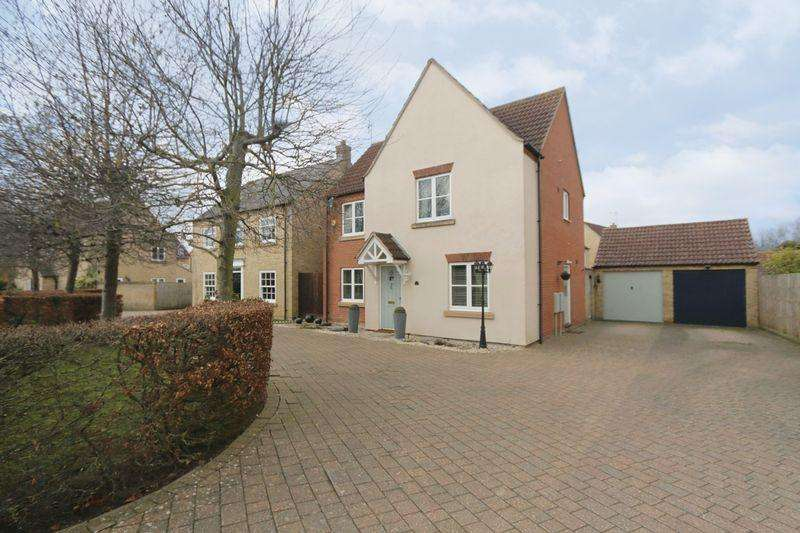 4 Bedrooms Detached House for sale in Columbine Road, Ely