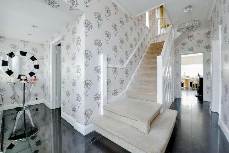 5 Bedrooms Semi Detached House for sale in Mottingham Lane, Mottingham