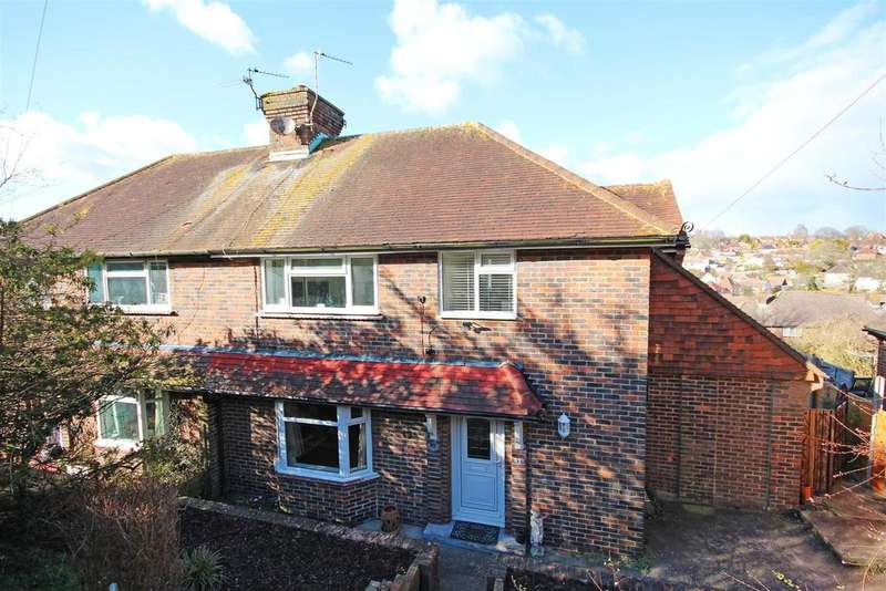 4 Bedrooms Semi Detached House for sale in Denton Drive, Hollingbury, Brighton
