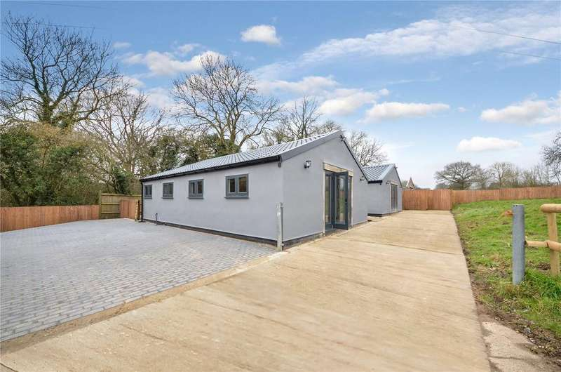 2 Bedrooms Detached Bungalow for sale in Polo Cottages, Cradle End, Bury Green, Hertfordshire, SG11