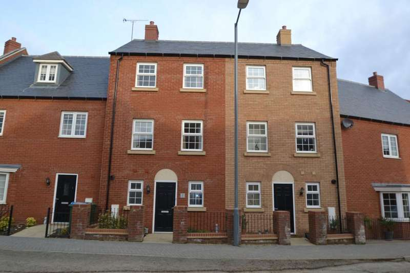 3 Bedrooms Terraced House for rent in Pillow Way, Buckingham