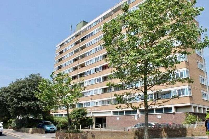 2 Bedrooms Property for sale in Clarendon Road, Hove