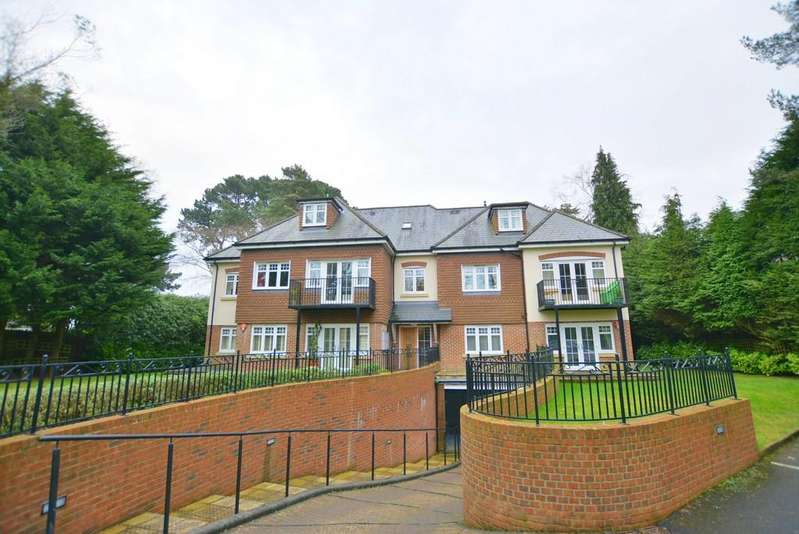 2 Bedrooms Apartment Flat for sale in Golf Links Road, Ferndown