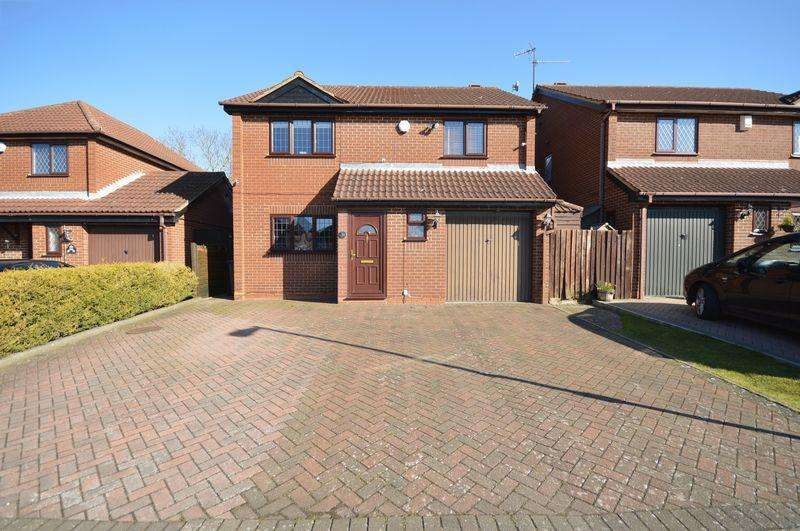 4 Bedrooms Detached House for sale in Statham Close, Luton