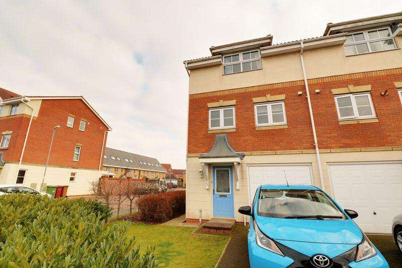 3 Bedrooms Terraced House for sale in Swift Drive, Scawby Brook