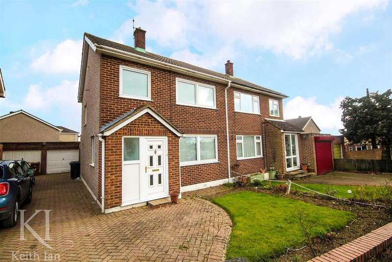 3 Bedrooms Semi Detached House for sale in Chain free, The Green, Ware