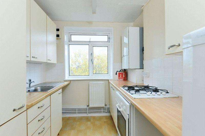 2 Bedrooms Apartment Flat for sale in Thorncroft Street, SW8