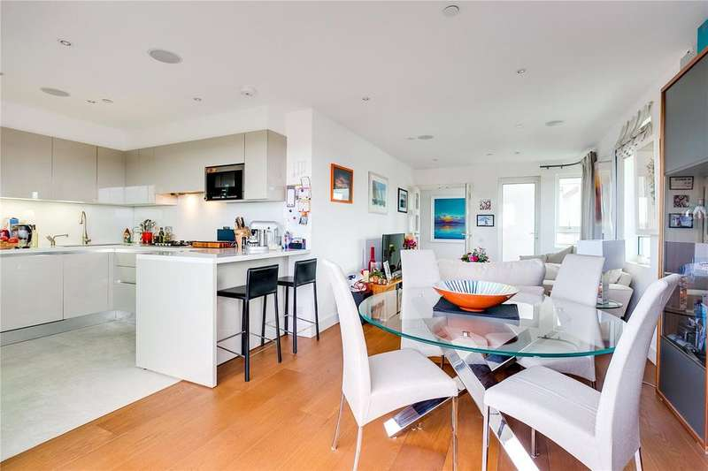 3 Bedrooms Flat for sale in Ormonde Court, Upper Richmond Road, London