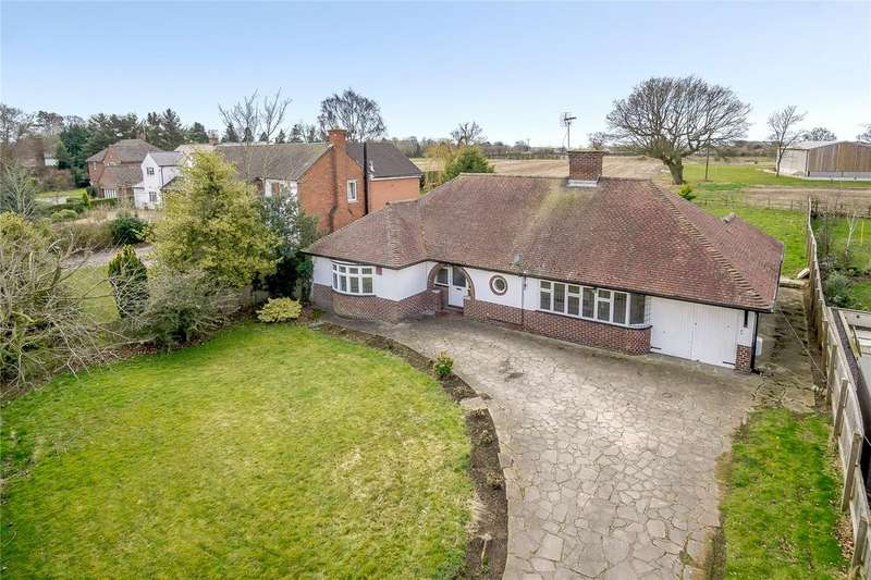 3 Bedrooms Detached Bungalow for sale in Rowton Lane, Rowton, Nr Chester, CH3