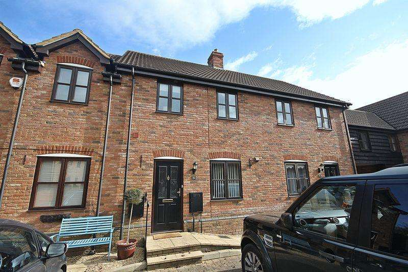 3 Bedrooms Terraced House for sale in The Brambles, Flitton