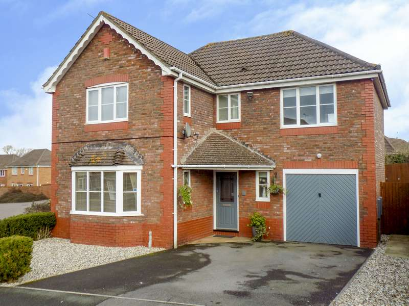4 Bedrooms Property for sale in Waterdown Close, Taw Hill