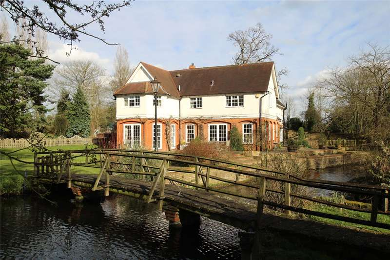 5 Bedrooms Detached House for sale in Tewin Water, Welwyn, Hertfordshire, AL6