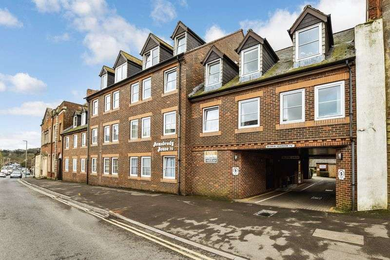 2 Bedrooms Property for sale in Homebredy House, Bridport, DT6 3NL