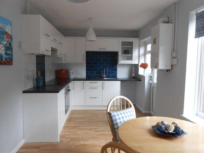 2 Bedrooms Property for sale in King Street, Pembroke Dock