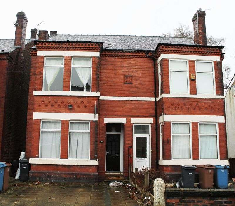 4 Bedrooms Property for sale in Yew Street, Salford