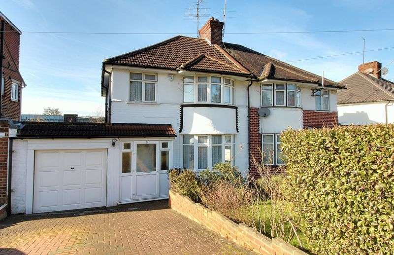 3 Bedrooms Property for sale in Uxendon Hill, Wembley