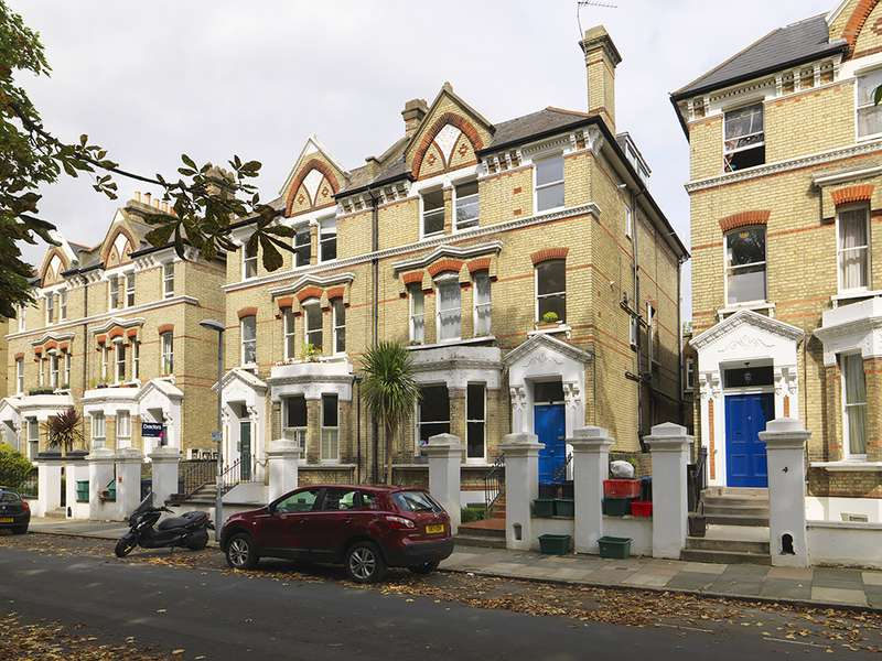 2 Bedrooms Property for sale in St Andrews Square, Surbiton, KT6