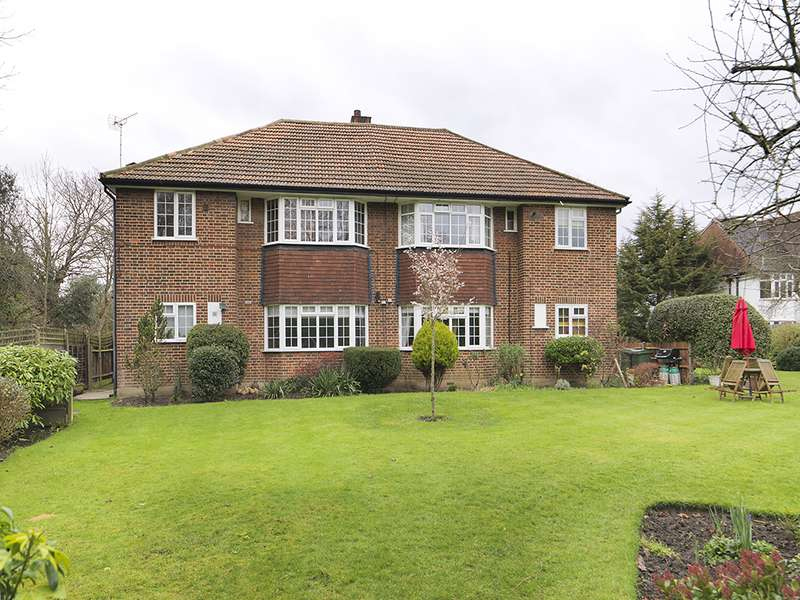 2 Bedrooms Property for sale in Ditton Lawn, Thames Ditton, KT7