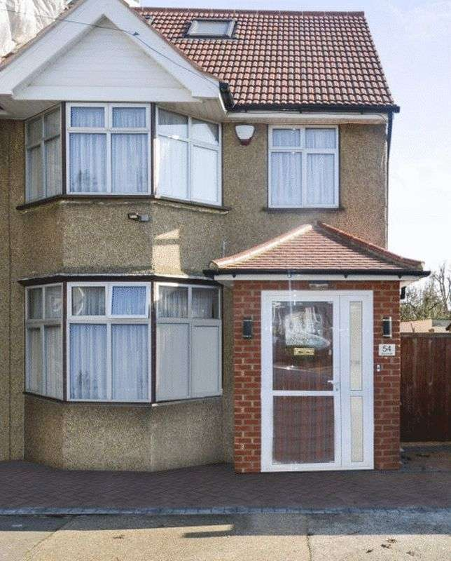 4 Bedrooms Property for sale in Victoria Avenue, Wembley