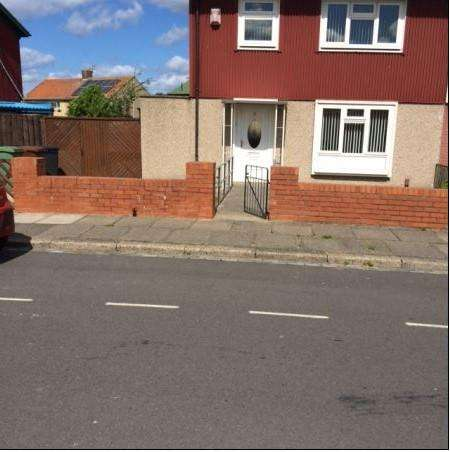 3 Bedrooms Semi Detached House for rent in Howbeck Lane, Hartepool TS24