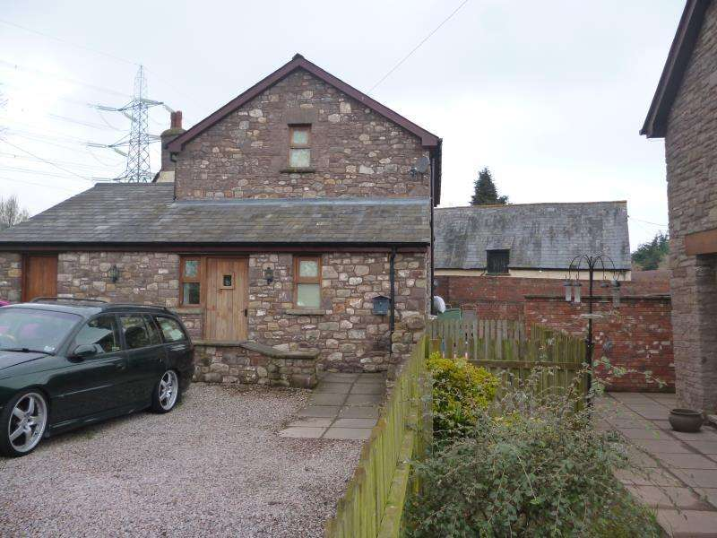 2 Bedrooms Barn Conversion Character Property for rent in The Stable, Cadvor Farm, Govilon, Abergavenny, NP7 9NU