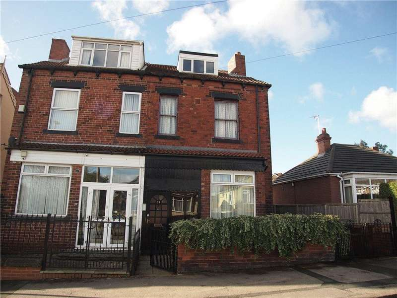 3 Bedrooms Terraced House for sale in Tyas Grove, Leeds, West Yorkshire