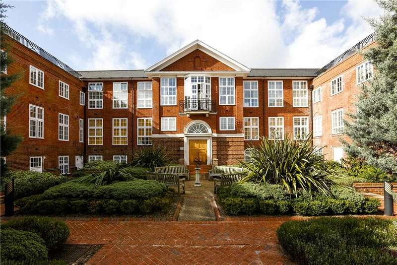 2 Bedrooms Flat for sale in Arcadian Place, London, SW18