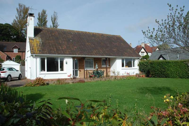 3 Bedrooms Detached Bungalow for sale in Parks Lane, Minehead TA24