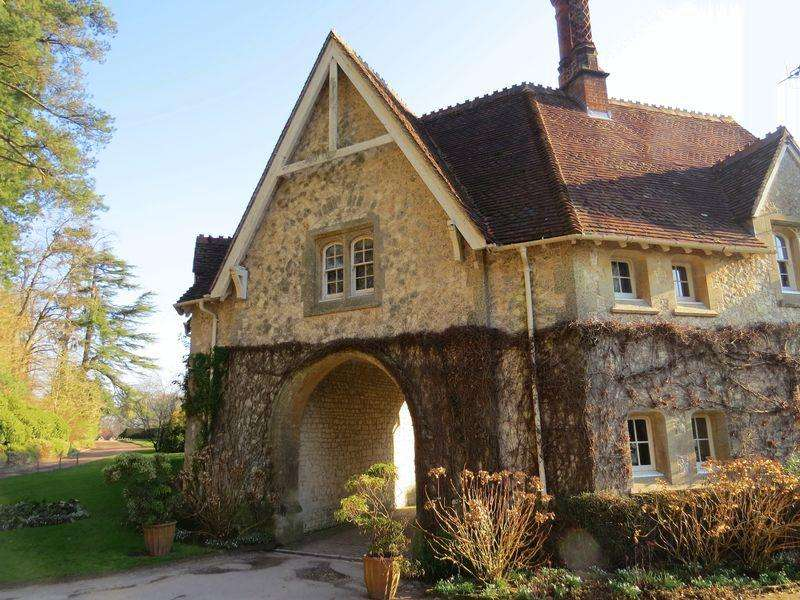 3 Bedrooms Cottage House for rent in Steep Marsh, Nr Petersfield, Hampshire