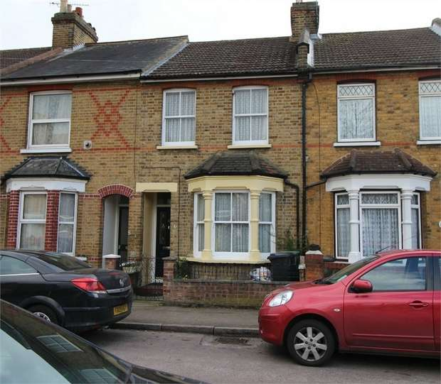 3 Bedrooms Terraced House for sale in Eastbrook Road, WALTHAM ABBEY, Essex