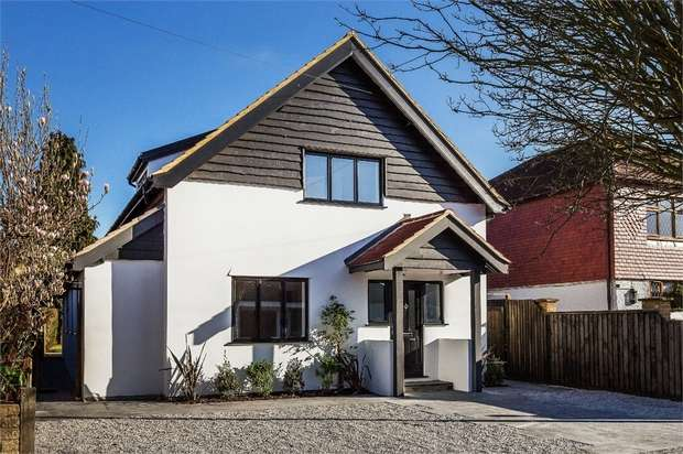 4 Bedrooms Detached House for sale in Dale Road, WALTON-ON-THAMES, Surrey